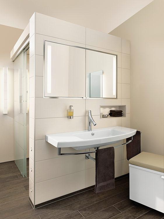 Gefliester Waschtisch ambiente badkomfort für jede generation richter frenzel